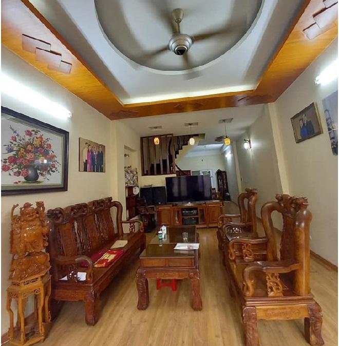 Nhà đẹp HOa Bằng, yên Hòa, CẦu Giấy 72m2, phòng khách