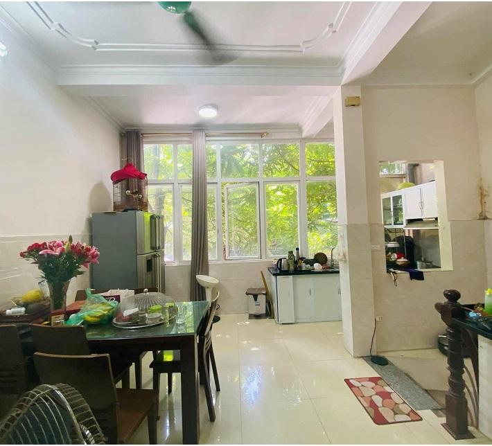 Mặt phố Linh Lang, ba Đình, 45m2. Phòng bếp