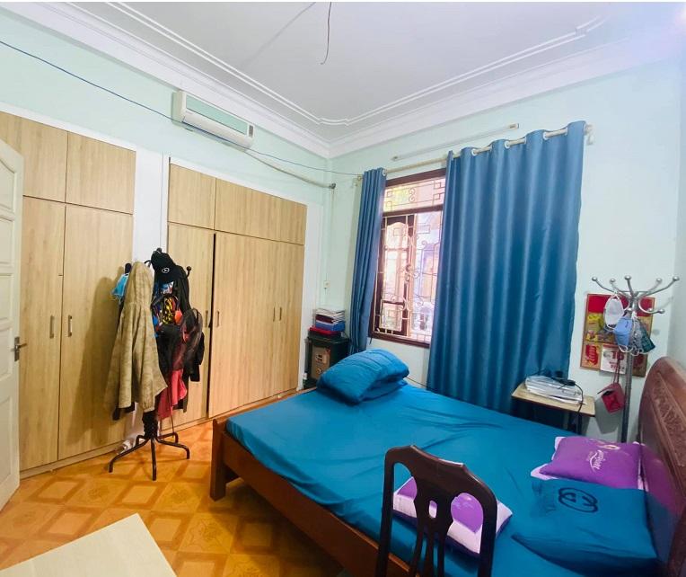 Mặt phố Linh Lang, ba Đình, 45m2. Phòng ngủ