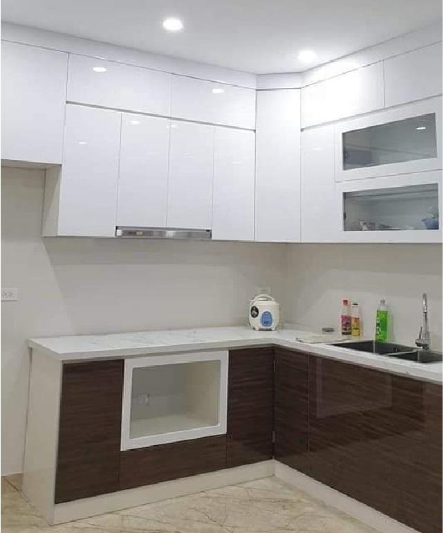 Mặt phố Phan Văn Trường 76m2. Phòng bếp