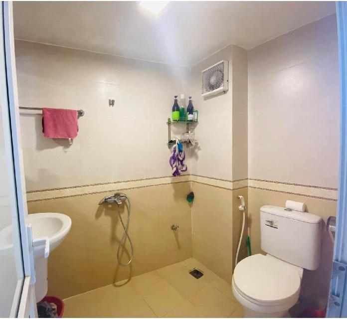 Mặt phố Linh Lang, ba Đình, 45m2. Phòng vệ sinh