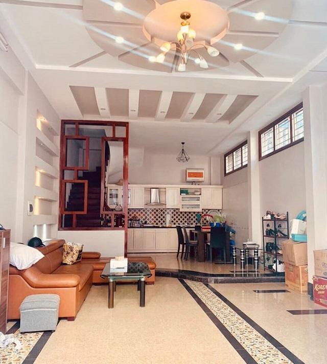 Nhà Võng Thị, Tây Hồ, 72m2 phòng khách