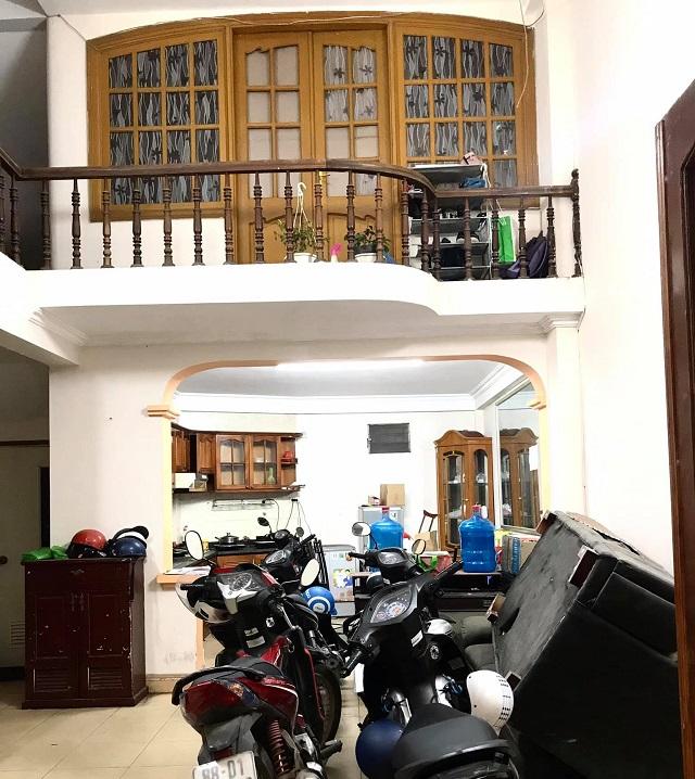 Biệt thự sân vườn Núi Trúc, Ba Đình ô tô 65m2, phòng khách
