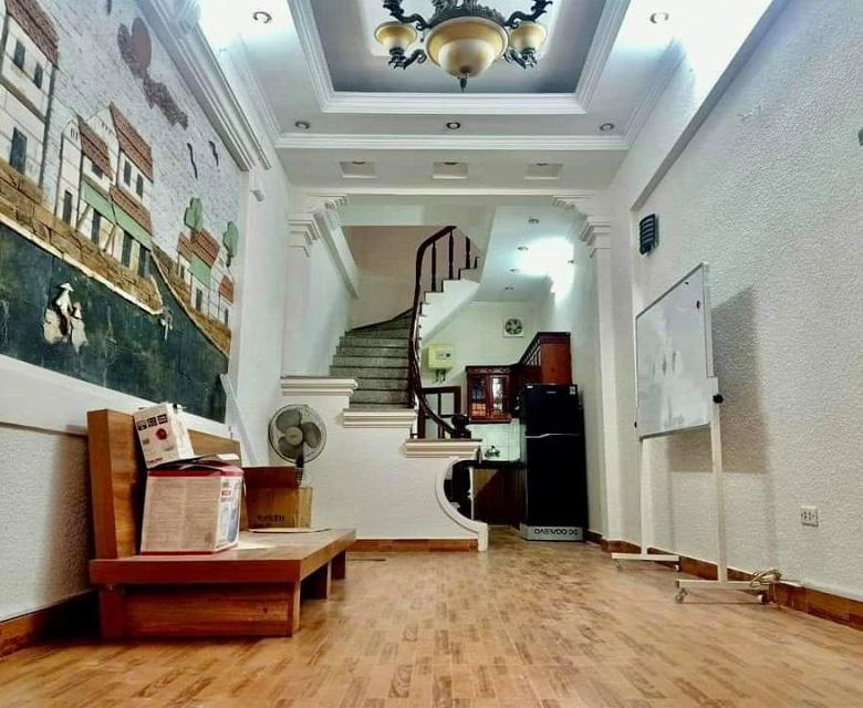 Nhà Hoàng Quốc Viêt, Cầu giấy 40m2, phòng khách