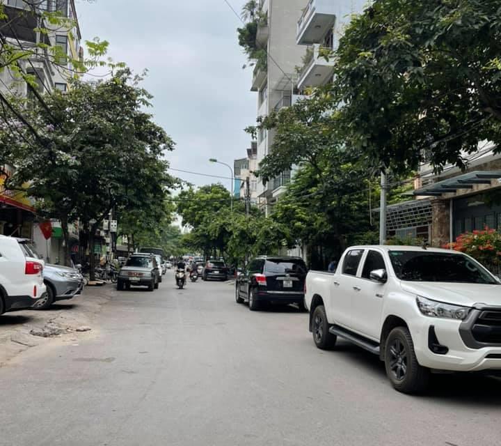 Phân lô Nguyễn Khánh Toàn, Ô tô, an sinh đỉnh DT 50m2. Đường trước nhà.